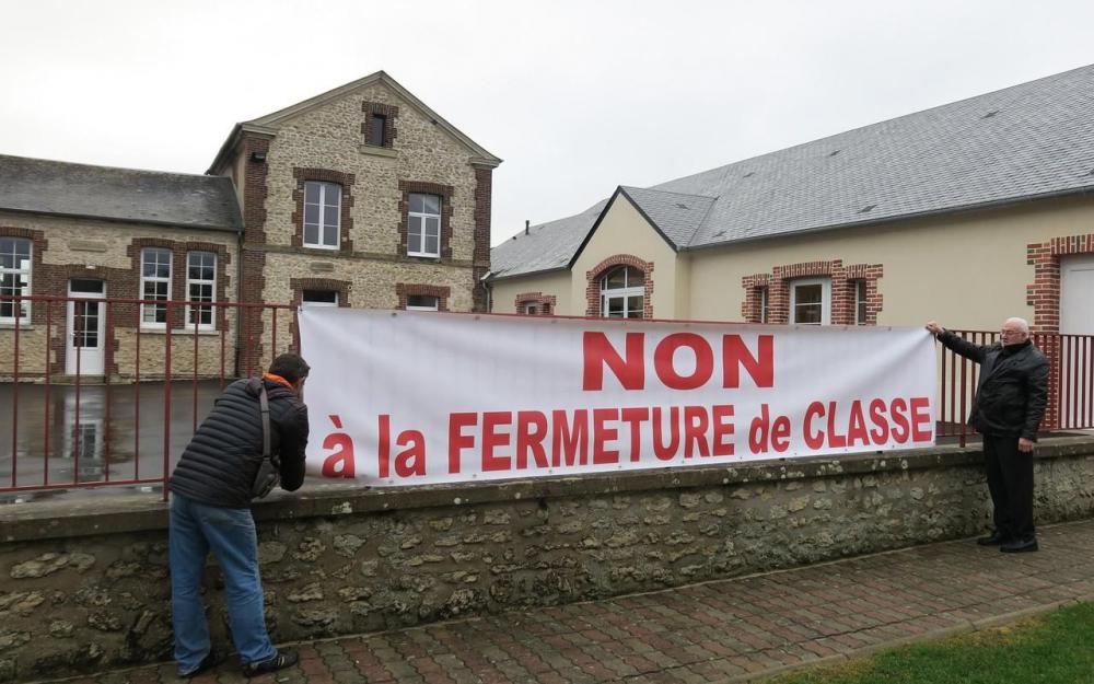 NON A LA FERMETURE DE CLASSE DE COURCELLES-LES-GISORS